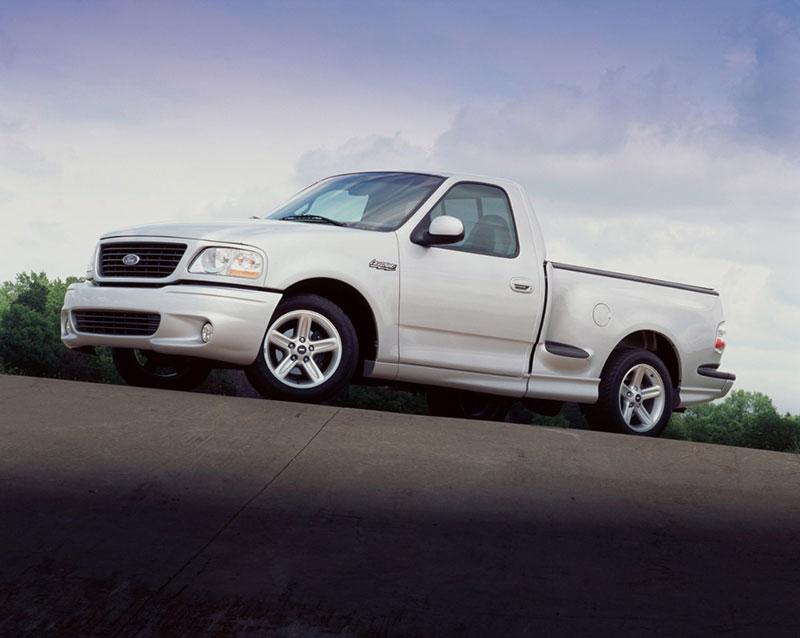Ford Lightning Specs >> 1999 2004 Ford F 150 Svt Lightning Specs Performance History