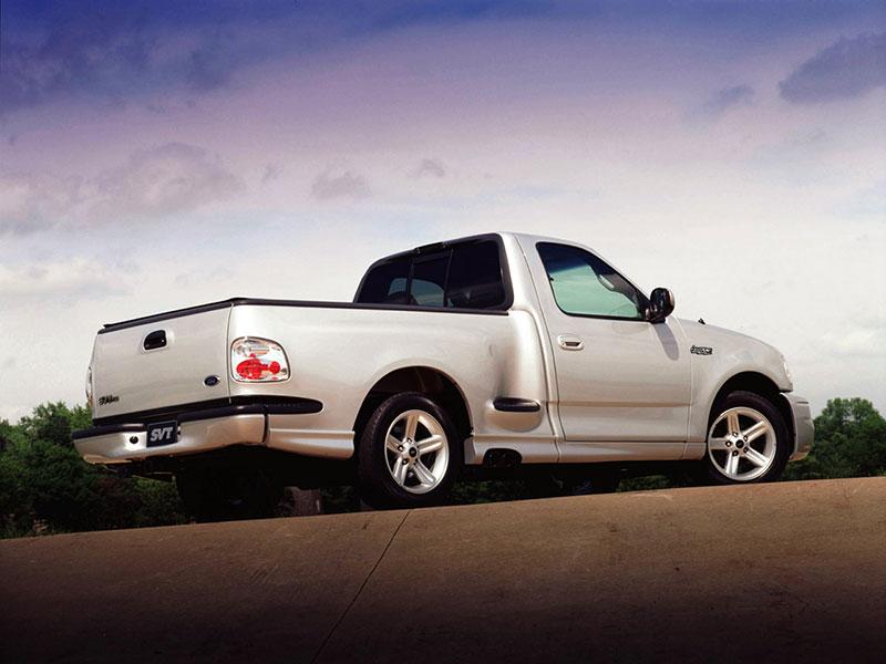 1999 - 2004 Ford F-150 SVT Lightning | Specs, Performance ...